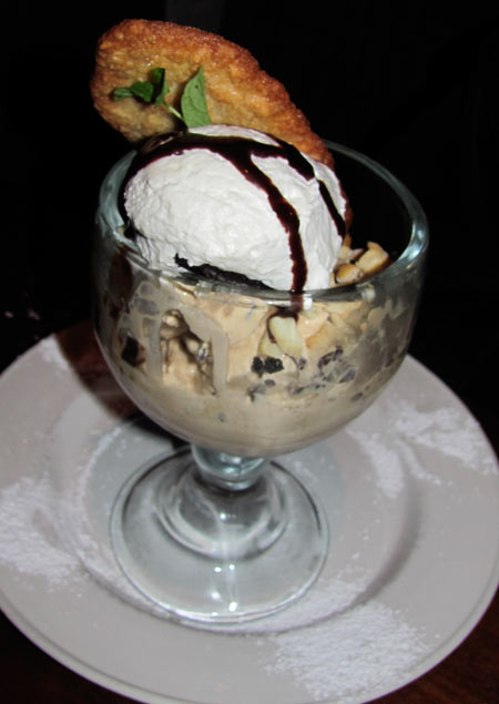 Yard House ice cream with freshly baked cookie at LA Live